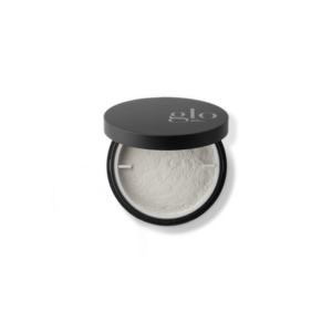 Illuminating setting powder til afslutning af din foundation for lang holdbarhed.