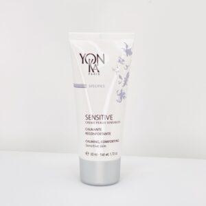 Yonka Sensitive creme peaux sensible er en beroligende og nærende ansigtscreme til den sensitive hud.